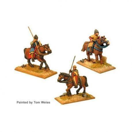 Unarmoured Norman Cav with spears (3 cav figs)